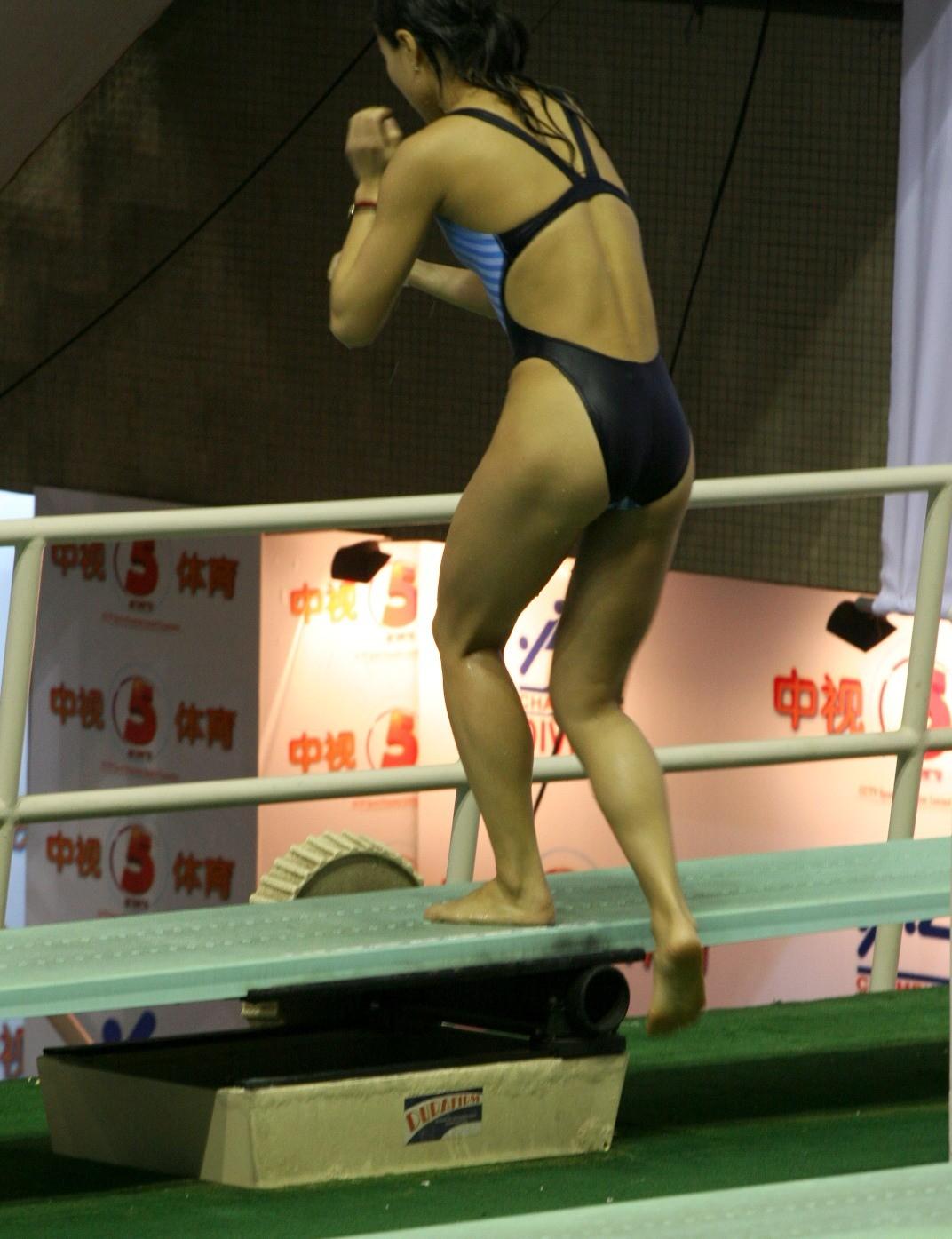 【競泳水着エロ画像】スパッツ主流になったのが悲しくて…思い出の食い込み系競泳水着アスリートwww