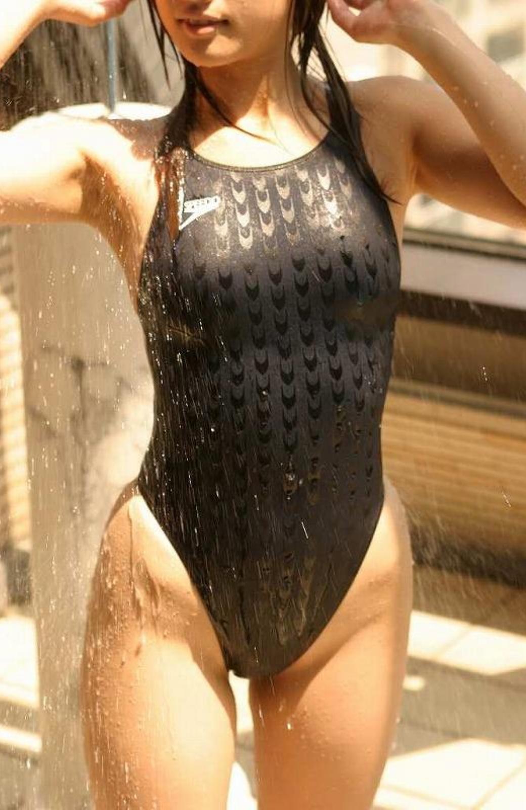 【競泳水着エロ画像】全身運動ゆえにガタイの良さは必然…だがそれがいい♪w素人女子のエロぃ肉体を盗撮したたw