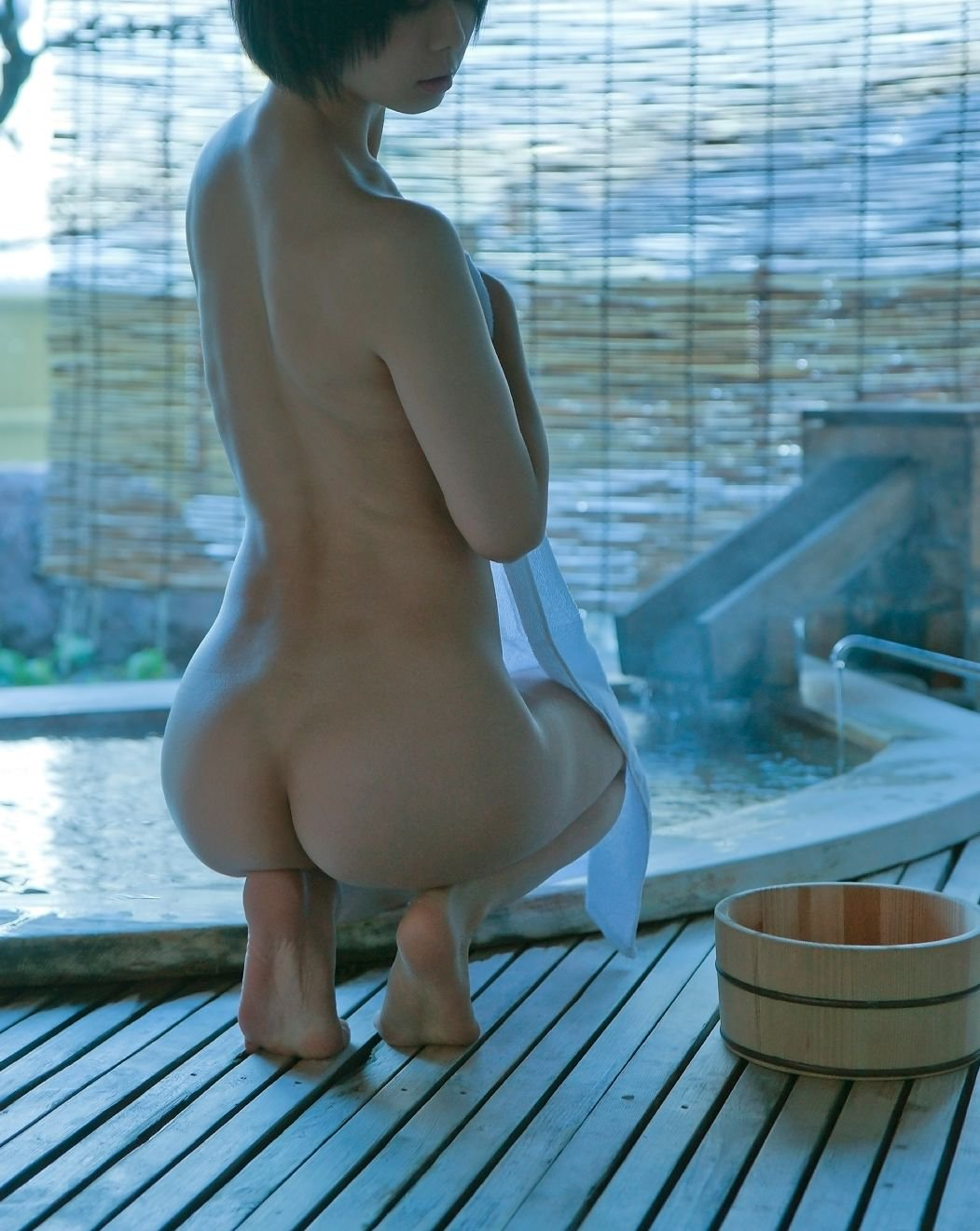 【美尻エロ画像】個人的に「うしじまいい肉」よか「うしじまえぇケツ」のがいいと思うw馬鹿エロぃ尻メインの画像を厳選すたよ♪