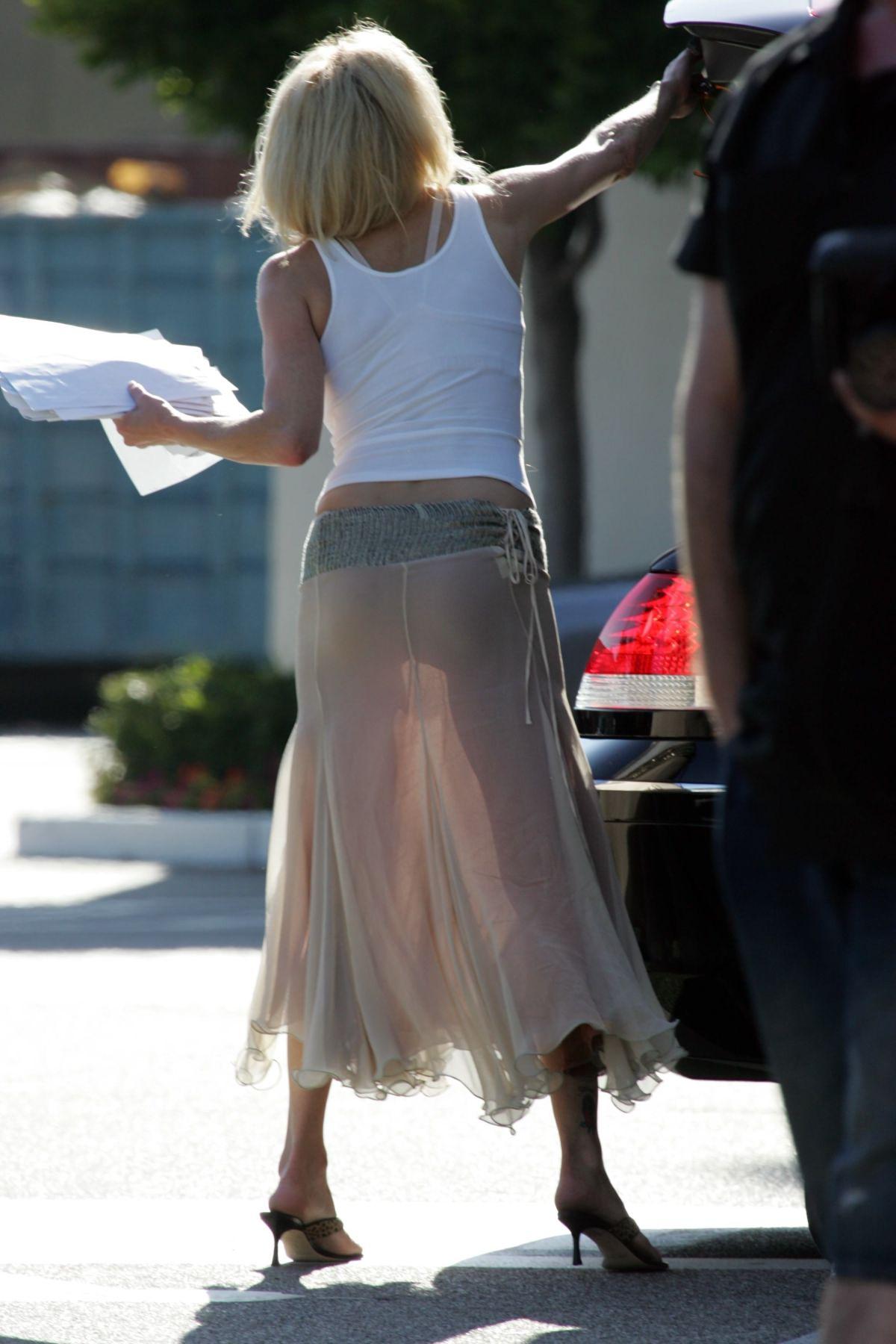 Прозрачные юбки на улице фото 15 фотография