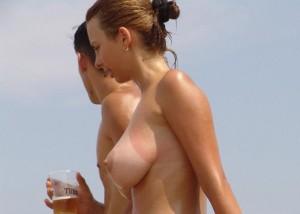(海外えろ写真)超最高お乳見放題でフルボッキそして出禁決定ww海外のヌーディストビーチ(;´Д`)