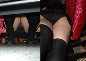 (パンツ丸見ええろ写真)ミニ女子見たら反対側へwwこっそりパンツ見放題の棚下事情(*´Д`)