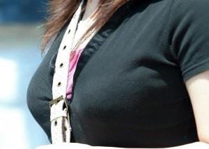 【巨乳エロ画像】膨らみだけでもヤバイのに…谷間とかパイスラで更にエロさ倍増の着衣胸(*´Д`)