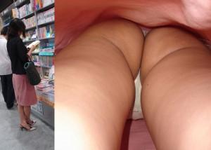 【パンチラ画像】スカートが多少長くても余裕w逆さ撮り師の慈悲なきパンツ暴露(´Д`ノ)ノ