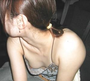(胸チラえろ写真)見せるつもりじゃなかったのに☆不本意に晒してしまったセックスぃ胸元☆
