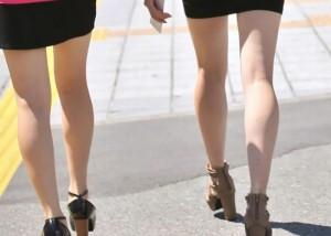 (美足えろ写真)この時期に大人の生はすごく貴重ww街で見つけた清楚な女脚(*´д`*)