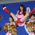 【チアガールエロ画像】可愛いチアガールたちの開脚ポーズの股間から目が離せない!