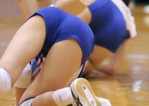 (アスリートえろ写真)スロー再生が狙い目☆ボール追いかけ揺れまくる女子バレー尻(;´Д`)