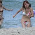 【水着ハプニングエロ画像】過激な水着にまつわる、ポロリハプニングはお約束!