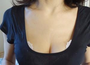 【谷間エロ画像】服から見える胸の谷間は、男たちのパラダイス!【画像追加12/11】
