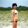 【水着熟女エロ画像】水着姿の、年季の入った身体つきでいつものエロさが倍増!
