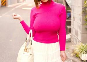 (着胸えろ写真)美巨乳が目立っちゃう…ボインなら着るべきニット・セーターで乳袋(*´д`*)