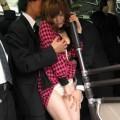 【痴漢エロ画像】満員電車で女性に忍び寄る痴漢の魔の手…痴漢に襲われる女たち