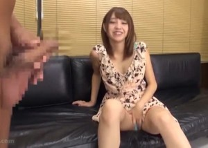 【エロ動画】目の前でシコシコされて…発情しちゃったお嬢さん(;゚∀゚)=3