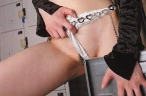 【角オナニーエロ画像】女の子が股間を擦り付けでオナニーする姿に勃起不可避!【画像追加12/14】