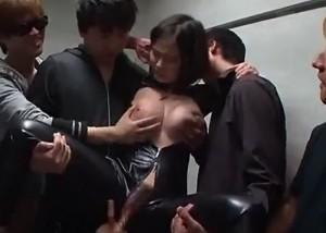 【エロ動画】囚われた巨乳JK捜査官が悪の組織に掴まり輪姦地獄!(;゚∀゚)=3