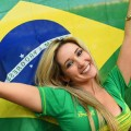 【ブラジル女性サポーターエロ画像】結構可愛い子がいる、サッカー好きなブラジル女性サポーター