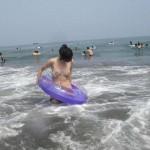【水着ハプニングエロ画像】水着の女の子観察→ラッキー!見えた!っていうやつww