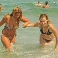 【海外水着ハプニングエロ画像】見えた!海外美女のおっぱいやオマンコ!www