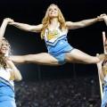 【海外チアリーダーエロ画像】海外のチアリーダーもやっぱり股間見せつけ大開脚!