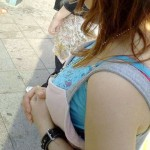 【巨乳エロ画像】熟女のでも2度は見てしまいそう…存在感出過ぎた着衣おっぱい(*´Д`)