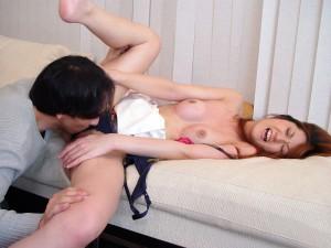【クンニエロ画像】クンニ好き必見!女の子のオマンコ舐めているクンニリングスエロ画像【画像追加12/13】