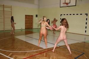 (裸スポーツえろ写真)正気か☆?裸でスポーツをする女子たち☆wwwwww