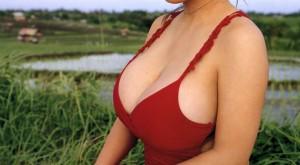 (着衣お乳えろ写真)着衣を着ていてもアピール絶大な着衣美巨乳のまんさんww