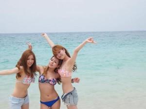(シロウトミズ着えろ写真)寒いから夏場の女子たちのミズ着姿でも見てみようずwwww