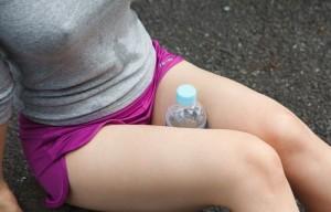 (ブラなしえろ写真)女子のお乳の頂点に浮かぶ胸ポッチ☆wwwwww