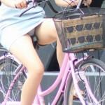 【パンチラエロ画像】すれ違う一瞬でも長時間記憶w自転車女子のパンツゲット!(;´Д`)