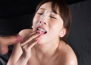 (ガン射えろ写真)プロ女優でも出来れば避けたい…ツラ一面へのザー汁ぶっかけ(;´Д`)