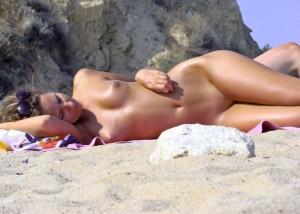 (海外えろ写真)まさに楽園☆あくまでも自然を楽しむためのヌーディストビーチ(;´∀`)