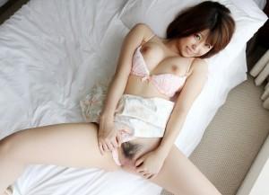 (オまんこくぱぁえろ写真)ここまで見せるか☆?自らの性器を広げてみせる女子えろ杉☆