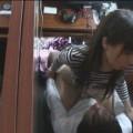 【個室盗撮エロ画像】個室で何が起こる?個室に入った女の子を盗撮してみた結果!