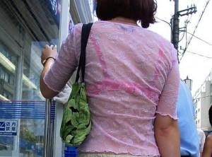 (着衣透けえろ写真)街中で着衣が透けちゃってるシロウトたちのえろス☆