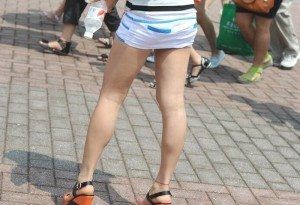 (美足えろ写真)街中で目を引く美足の女子の写真集めたったwwwwww