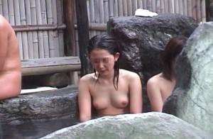 (女湯えろ写真)BOYたるもの、一度は女湯覗いてみたい☆そう思うだろ?ww