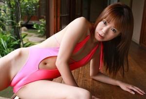 【マンスジエロ画像】女の子の股間が痛いほどに食い込み!?マンスジ画像