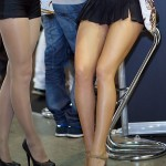 【美脚エロ画像】長くてムッチリ!高レベルな脚を持つ海外キャンギャル!(*´д`*)