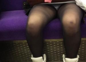 (パンツ丸見ええろ写真)対面ゲット☆後はパンツ拝むだけな列車移動(*´Д`)