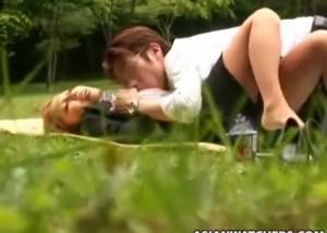 (えろムービー)昼休憩終わっちゃう…公園で青姦までやらかす社内レディーカップル秘密撮影(*゚∀゚)=3