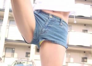 (ハミパンえろ写真)パンツ丸見えじゃなくても見える☆覗きじゃないハミパン状態(*´Д`)
