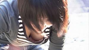 (胸チラえろ写真)シロウト小娘たちの胸チラねらって収録した結果、思いのほかえろかった☆