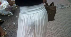 (街撮り着衣透けえろ写真)ガチシロウトたちの街中で透けた着衣にフルボッキ必至☆wwwwww
