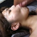 【顔射エロ画像】イヤな表情出さないのがプロw顔でザー汁浴びる美女たち(;´Д`)