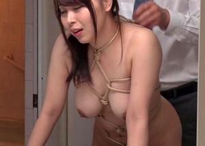 (えろムービー)寝ているダンナの側で緊縛指導されてイクドエムロケット乳奥さん☆(;゚∀゚)=3