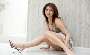 (美足えろ写真)スラリとした女子の美足におもわず生唾ごっくん…。