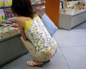 (ローライズえろ写真)腰パン☆?ローライズファッションでパンツ丸見え、尻チラ満載wwww