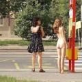 【海外露出エロ画像】日本国内だけではない!海外にもいる露出狂の女たちww